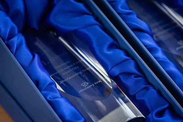 Jihočeská trofej pro výherce vjednotlivých kategoriích.
