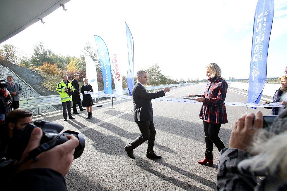 V říjnu zprovoznili dalších 5 km dálnice D3. Nový úsek vede mezi Veselím nad Lužnicí a Bošilcem.