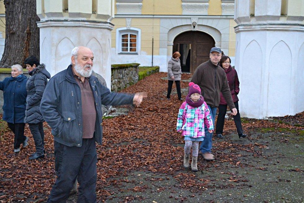 Stádlečtí si v pátek připomněli 250 let školství ve Stádlci.