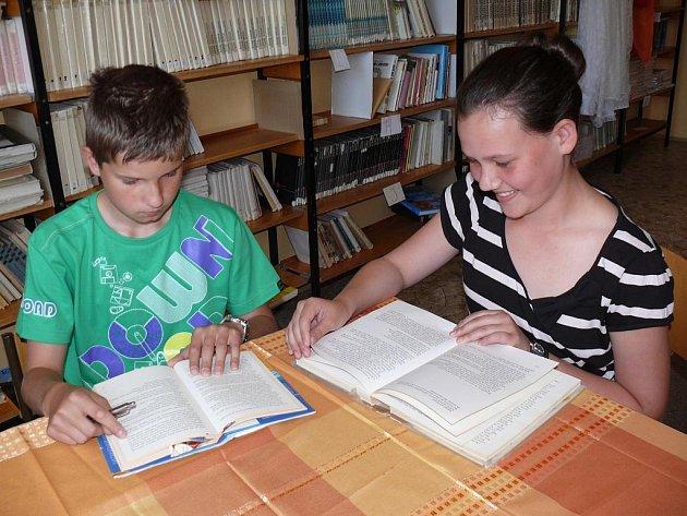 Do projektu Čtení pomáhá se zapojil i Václav Svatoš a Barbora Svačinová ze ZŠ Zborovská.