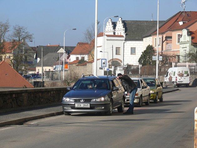 Průjezd Křižíkovým náměstím v Táboře se včera obešel bez komplikací.