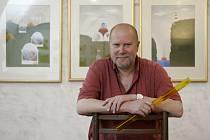 Výstava Václava Johanuse Retrospektiva začíná ve středu v táborské galerii U Radnice.
