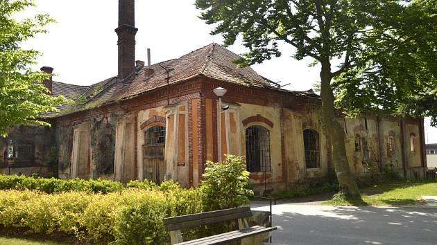 Bývalý pivovar na náměstí v Chýnově.