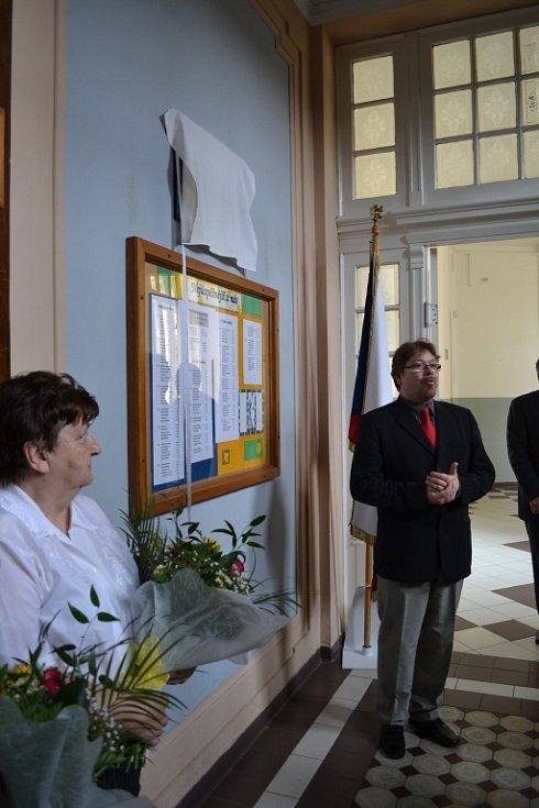 Slavnostní odhalení pamětní desky Karlu Marešovi.