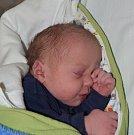 Matyáš Prokeš z Veselí nad Lužnicí. Poprvé na svět pohlédl 16. listopadu v 8.47 hodin. Po narození vážil 3340 gramů a doma už má sestřičku Simonku (3).