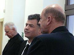 V kauze podvodů jsou kromě Stanislava Snášela obžalováni ještě Karel Berka a Martin Hart.