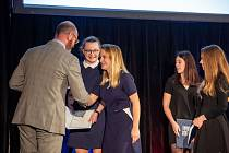 Cenu Fair play si převzaly studentky táborské střední průmyslové školy.