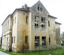 Bývalá škola v Horusicích.