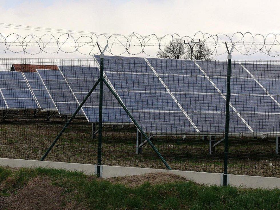 Fotovoltaická elektrárna. Ilustrační foto.