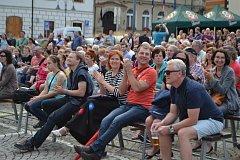 Bohemia Jazz Fest v neděli zaplnil Žižkovo náměstí.