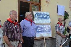 V Šebířově odhalili desku zakladatelům pionýrské  kapely.