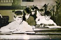 Základní škola ve Svinech v 70. letech 20. století.