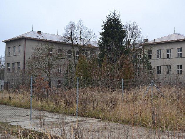 Kasárenské budovy, o něž má Tábor zájem.