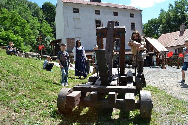 Housův mlýn je vyhlášený středověkou atmosférou. Teď k němu přibudou ještě lázně.