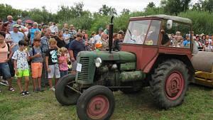 Dráchovská traktoriáda přilákala stovky diváků