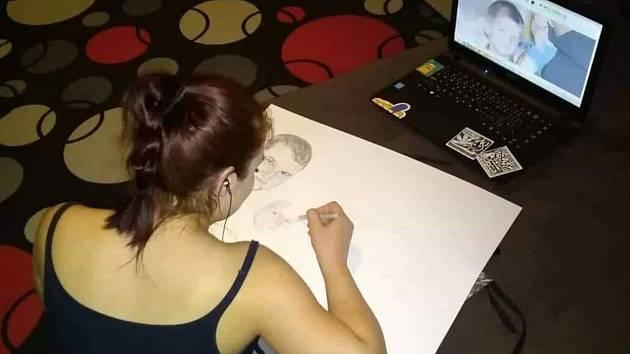 Katarína Drotárová kreslí pro radost, přes den se však naplno věnuje malému synovi.