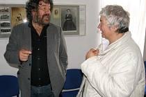 Z výstavy o potomcích Boženy Němcové zaujala Zdeňka Trošku hlavně anabáze rodu a vývoj po smrti Boženy Němcové. Prozradil také, že bývalá táborská Koželužna u Plocků kdysi patřila jeho příbuzným.