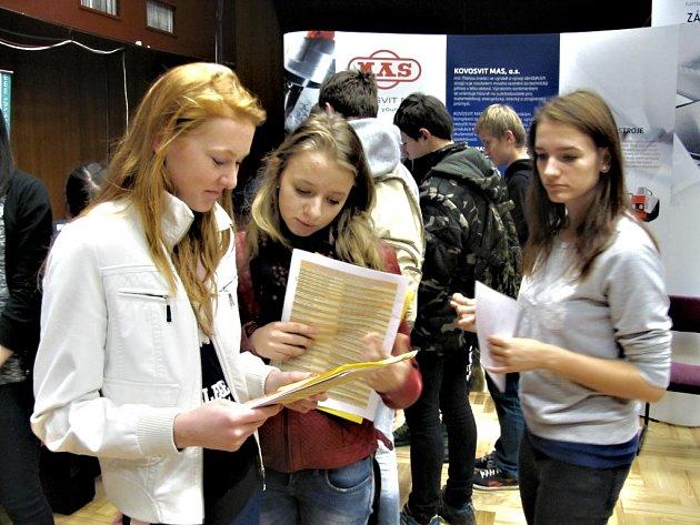Klára Šonková a Veronika Mrázková přijely ze základky v Sudoměřicích u Bechyně.