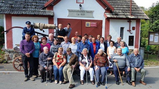 V sobotu 15. září se v Kamenné Lhotě na Táborsku sešlo třicet tamních rodáků.