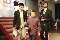 Zleva Martin Kozojed, Ondřej Kozojed a trenér Michal Háša.