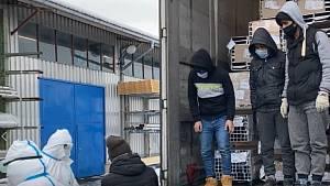 Zadržení migranti v kamionu