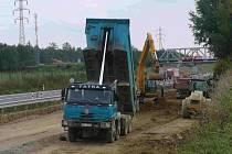 Stavbaři práci zastavili a nehotové dílo zajistili.