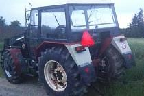 Snímek ukradeného traktoru.