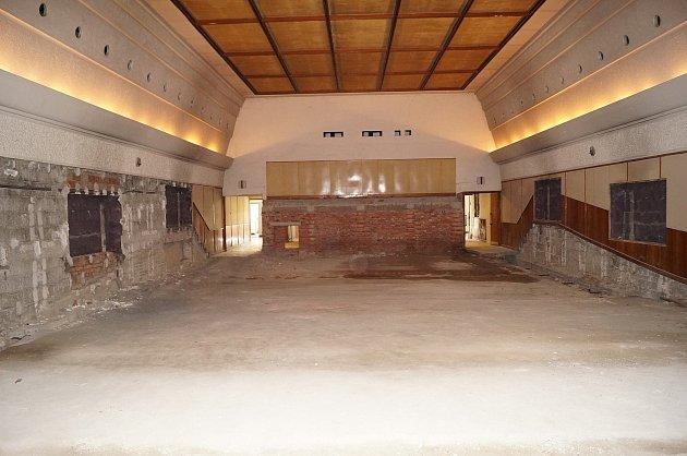 Současný stav kina ve Veselí je neveselý.