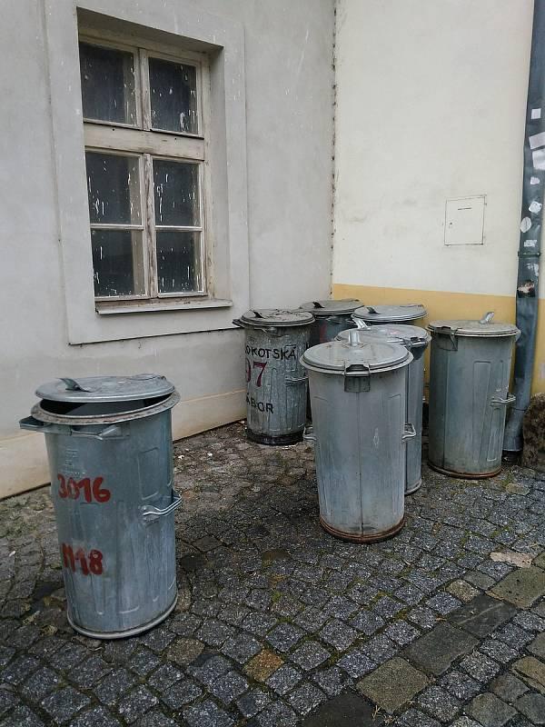 Co by chtělo zlepšit v Táboře? Paní Szutáková má pocit, že se jde v některých částech města od popelnice k popelnici nebo jí vadí odstavená Felicie.