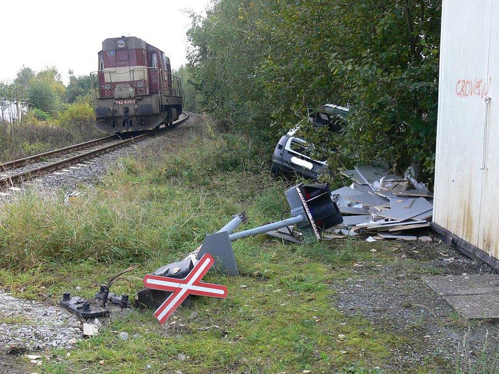Nehoda na železničním přejezdu na Měšické ulici .