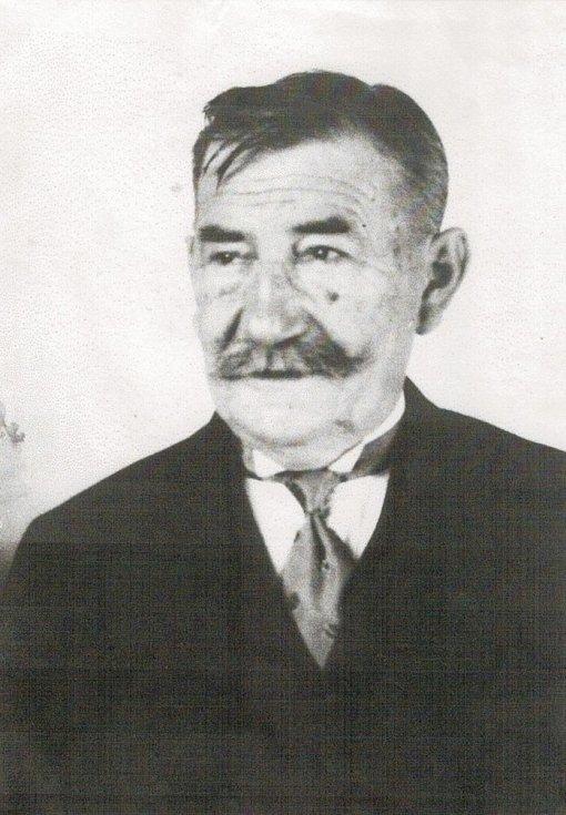 První učitel v historii mezenské školy Vojtěch Sirový se dočká čestného občanství.