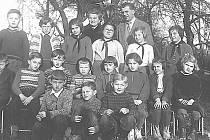TŘÍDNÍ VZPOMÍNKA. Snímky pocházejí z třicátých let minulého století. Zachycují radkovské děti