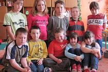 Stádlečtí školáci v družině.