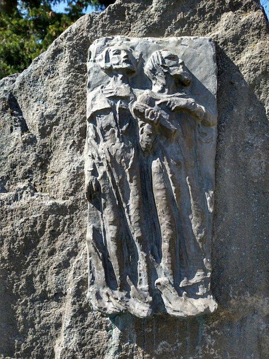 Pomník pikartů v Klokotech se dočkal obnovy.