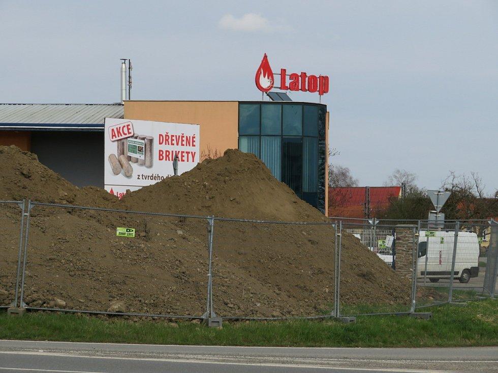 V Táboře začala výstavba restaurace KFC, otevření je v plánu letos na  začátku podzimu.