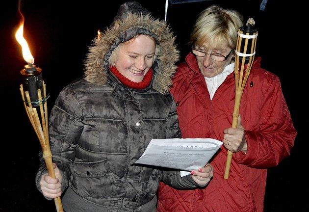 Česko zpívá koledy v táborském Lomu Svatá Anna.