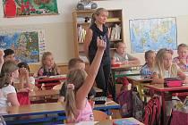 Učitelka ve třídě.