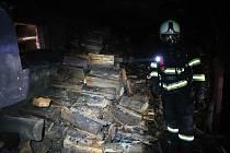 V ranních hodinách v úterý 28. ledna byl ohlášen požár sklepa rodinného domu v Želči na Táborsku.
