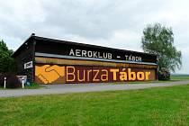 Prvně burza v areálu Aeroklubu Tábor otevře 23. března.