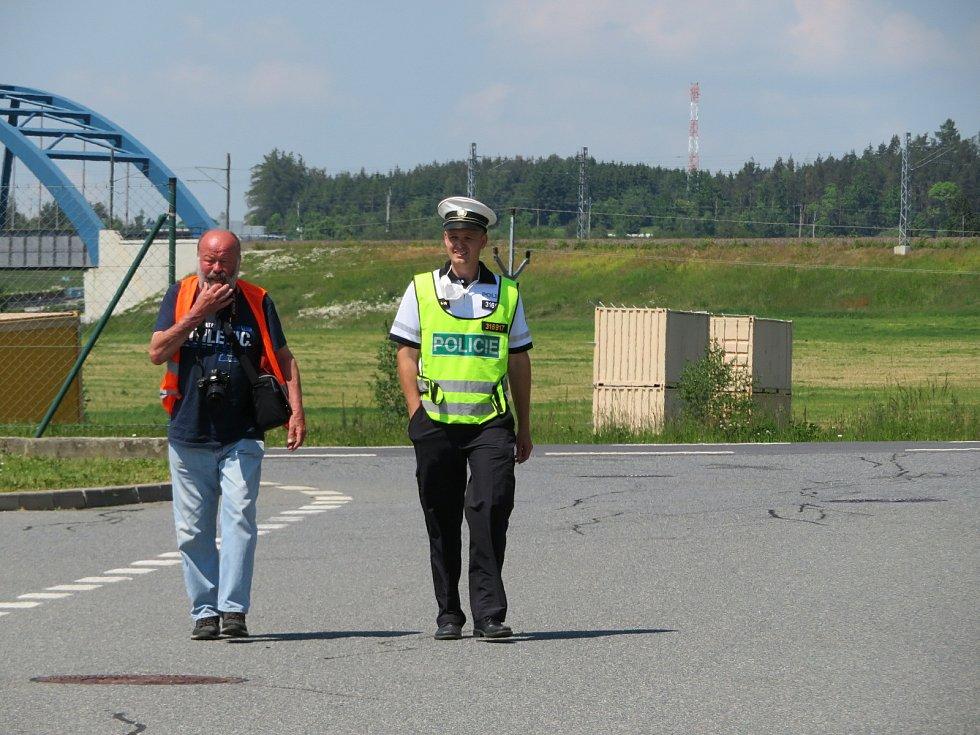 Společná akce Ředitelství silnic a dálnic (ŘSD) a dopravní policie v Chotovinách na Táborsku.