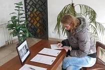 Ve vestibulu táborské matriky jsou připraveny kondolenční listiny. Podpisem se může každý připojit k vyjádření soustrasti nad úmrtím Václava Havla.