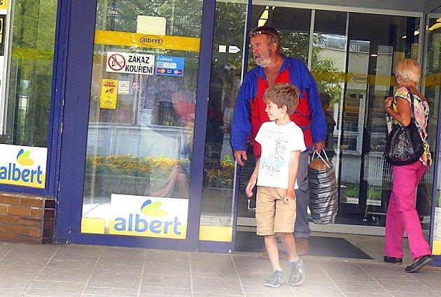 Prodejna Albert na Sídlišti nad Lužnicí skončí. Kdy se tak stane, ještě Ahold neví. Každopádně ji nabídne k prodeji i se zaměstnanci.