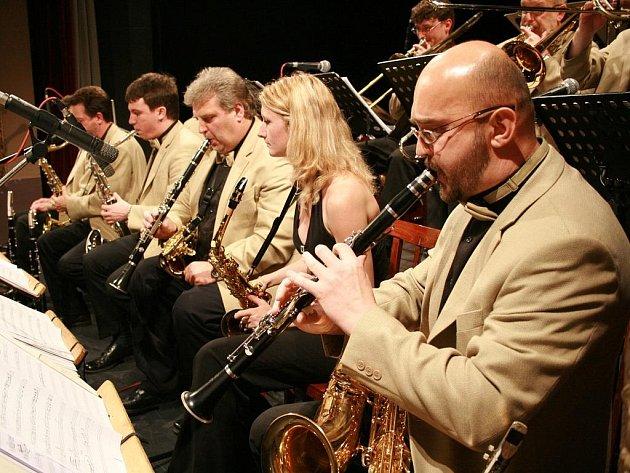 K Vánocům patří vystoupení Swingbandu.