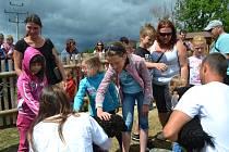 Velký zájem vzbouzí zoologická zahrada hlavně u dětí.