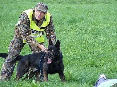 Ilustrační foto. Policejní pes vyčmuchal zloděje.