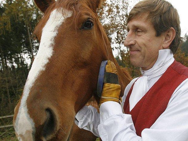Václav Vydra v současnosti žije na venkově, s přírodou a svými koňmi. Návrat do Prahy však nezamítá. Říká, že jeho manželce Janě dojíždění nevyhovuje a on žije rád tam, kde se cítí dobře. Rodná Praha k těmto místům patří.