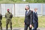 Premiér Babiš navštívil 42. mechanizovaný prapor v Táboře