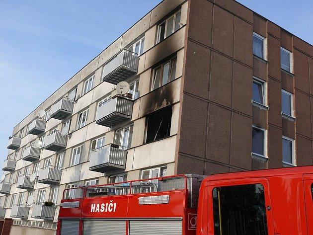 V Plané nad Lužnicí hořel byt.