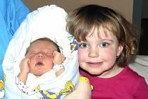 ŠTĚPÁN MICHAL ZE ŽELČE. Bráška dvou a půlleté Lucinky přišel na svět  30. března ve 13 hodin. Po narození vážil 3560 g a měřil 50 cm.