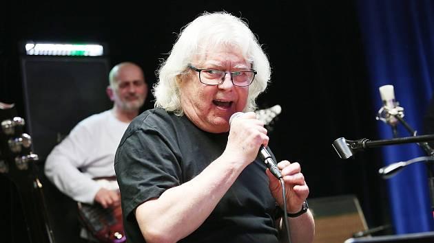 Vladimír Mišík opět přijel zahrát do Tábora.
